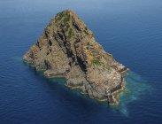Vista elevata della famosa isola vulcanica Jabuka, Croazia — Foto stock