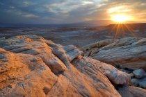 Живописный вид на восход солнца в пустыне, Долина огня государство парк, штат Невада, США — стоковое фото