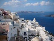 Підвищені вид townscape по морю, Санторіні, Греція — стокове фото