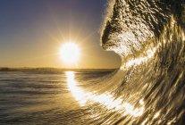 Vista panoramica della bella onda blu — Foto stock