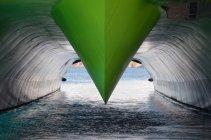 Quilla verde de Grecia, Naxos, de ferry rápido catamarán - foto de stock