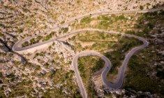 Vista aérea de Mountain Road, Mallorca, España . - foto de stock