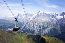 Vista panoramica della funivia dello Schilthorn, Berna, Svizzera — Foto stock