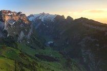 Vista panorámica del hermoso Alp Sigel, Suiza - foto de stock