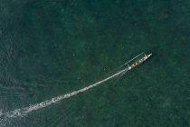 Vista aerea di una barca a vela, West Nusa Tenggara, Indonesia — Foto stock