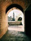 Біг-Бен перегляне через арку, Лондон, Англія, Великобританія — стокове фото