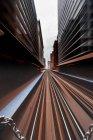 Vista panorámica de Cityscape y las vías del tren, Chicago, Illinois, Estados Unidos - foto de stock