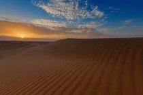 Vue panoramique sur le désert sablonneux, l'arabie saoudienne — Photo de stock