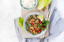 Thai pork larb with rice, top view — Stock Photo