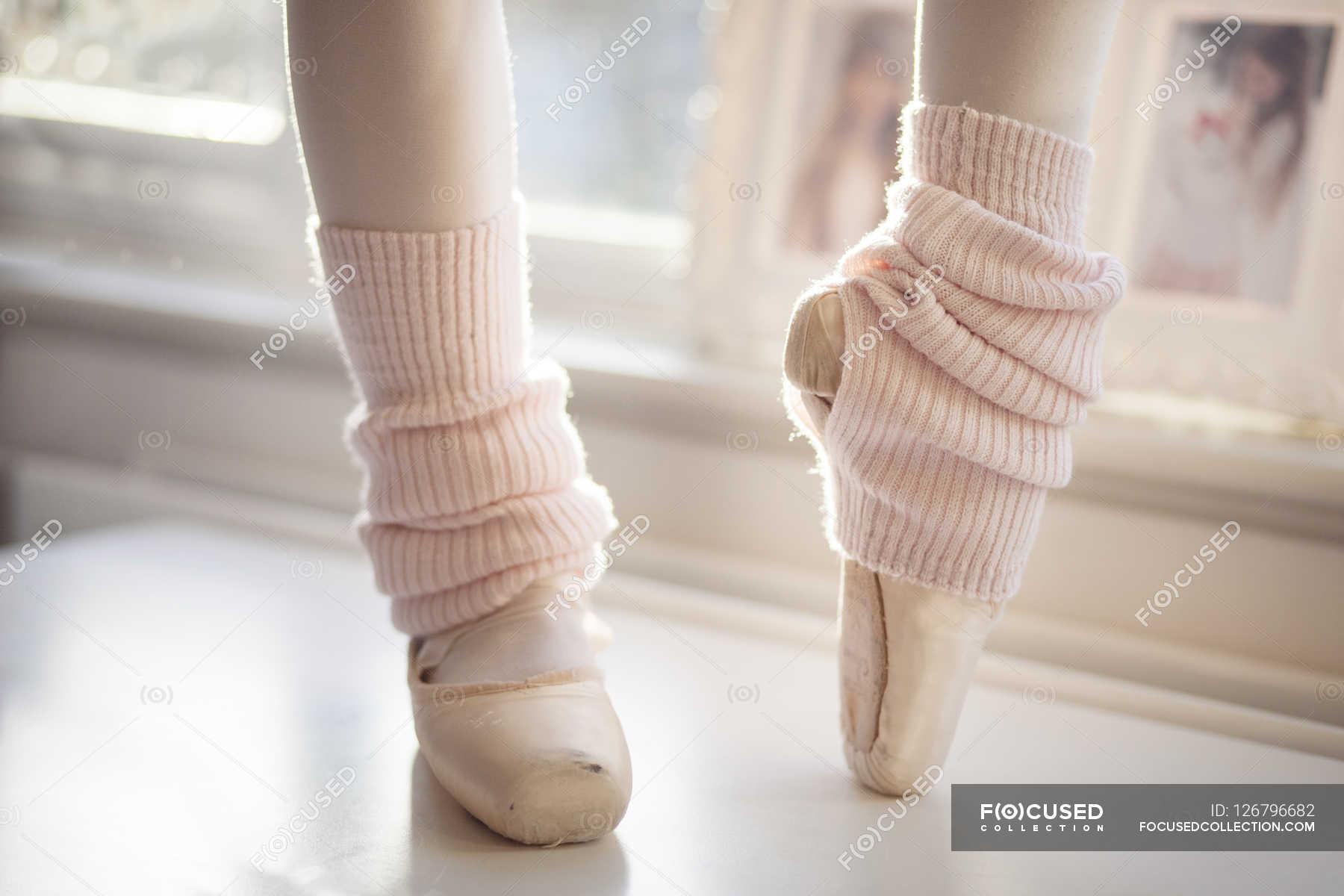 Piedi della ballerina nei panni di puntatore foto stock for Planimetrie di 1800 piedi quadrati