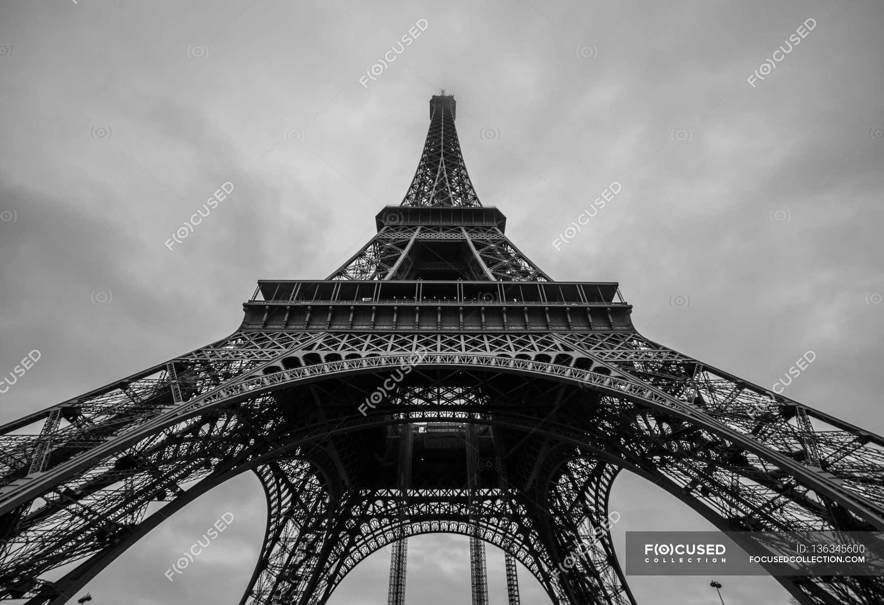 Порно хлопців ейфелева у вигляді вежа