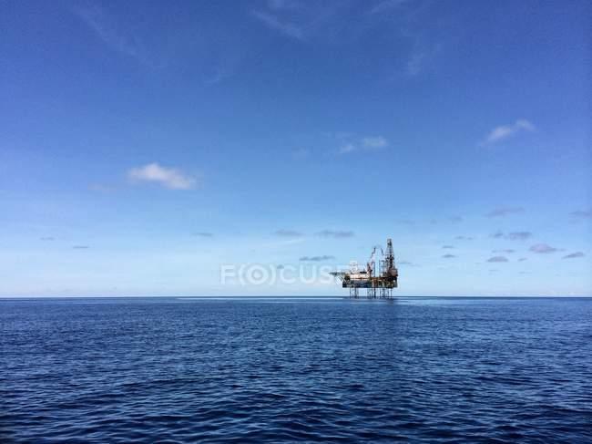 Drilling platform at sea — Stock Photo
