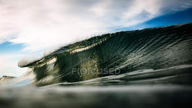 Última hora de la onda de mar - foto de stock