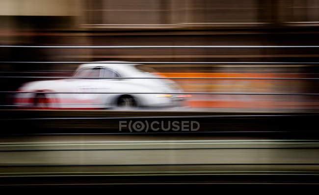 Класичний автомобіль на високій швидкості — стокове фото