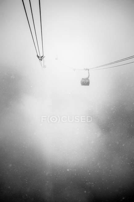 Gôndolas em neve pesada caem em Whistler — Fotografia de Stock