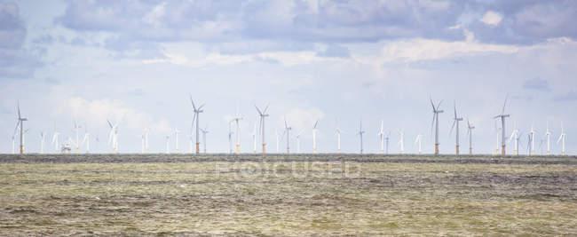 Parc éolien offshore — Photo de stock