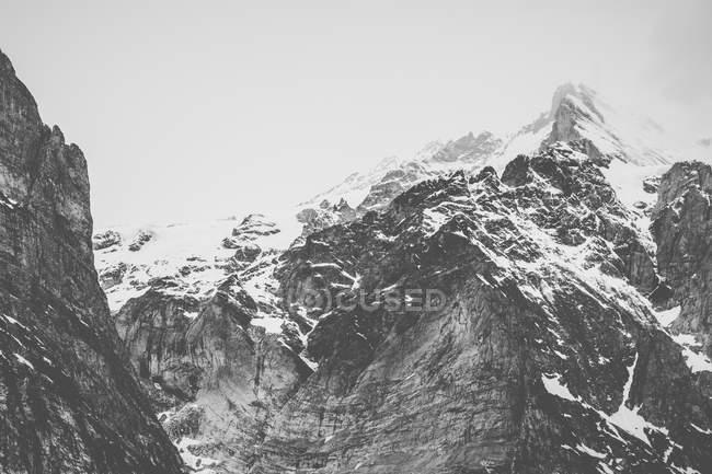 Вид на Гриндельвальдские Альпы — стоковое фото
