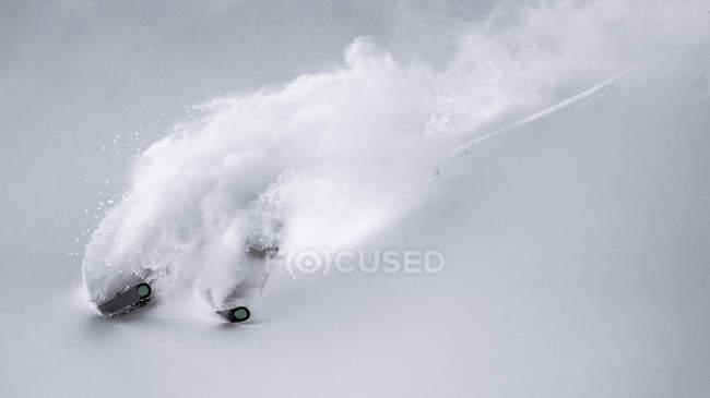 Ski alpin skieur — Photo de stock