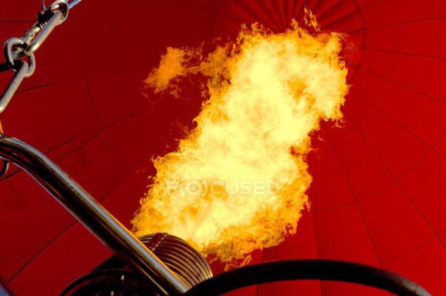 Гаряче повітря куля полум'я — стокове фото