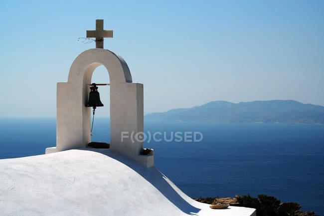 Torre sineira da igreja — Fotografia de Stock