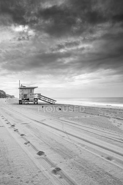 Rettungsschwimmer-Post am Strand — Stockfoto