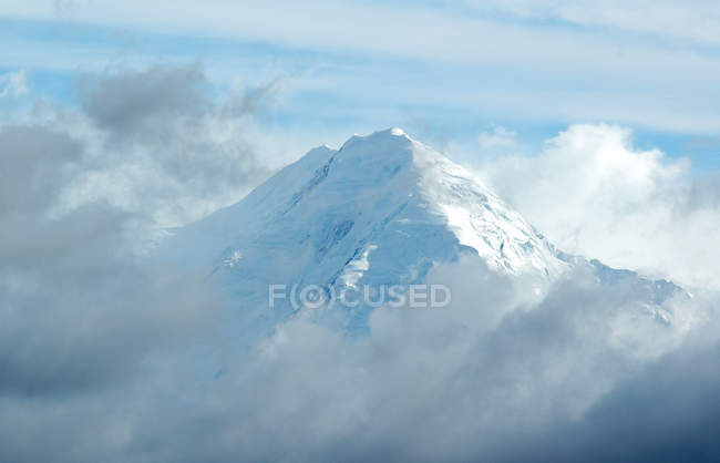 Aerial view of snow capped mountain — Stock Photo