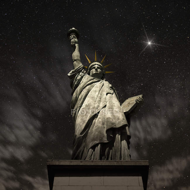 USA, New York State, New York, Statue of Liberty at night — Stock Photo