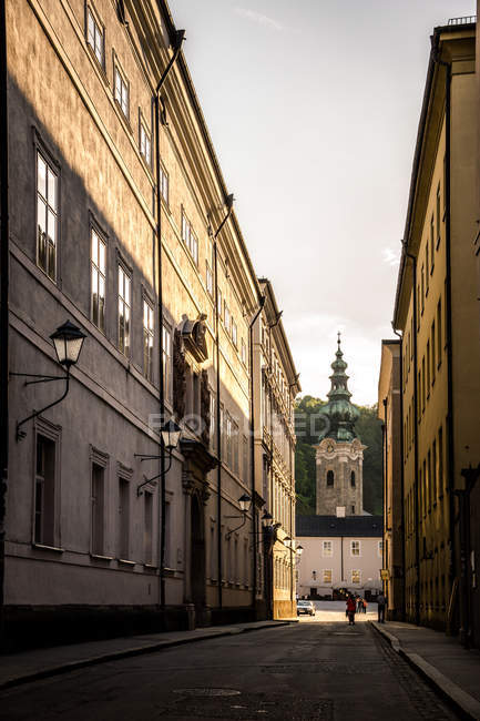 Luce dorata nelle strade — Foto stock