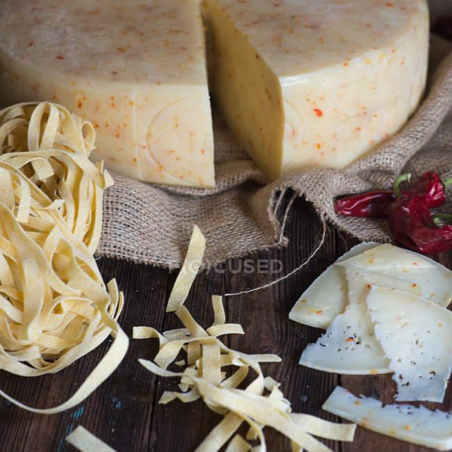 Макароны сыр и перец — стоковое фото