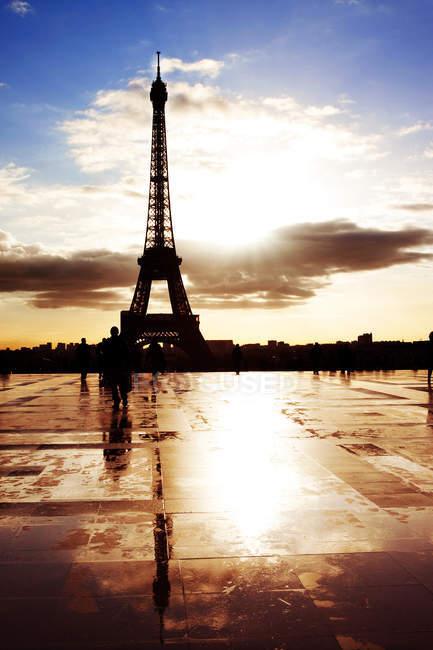 Силуэт Эйфелевой башни — стоковое фото