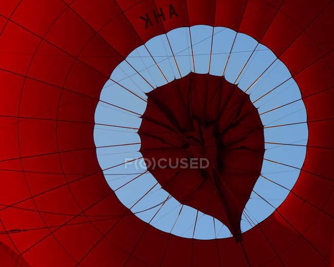 Повітряній кулі від нижче — стокове фото