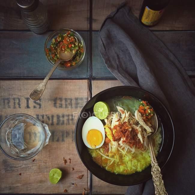 Würzige Hühnersuppe — Stockfoto