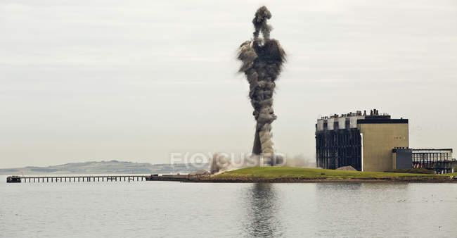 Знесення Cockenzie ТЕС — стокове фото