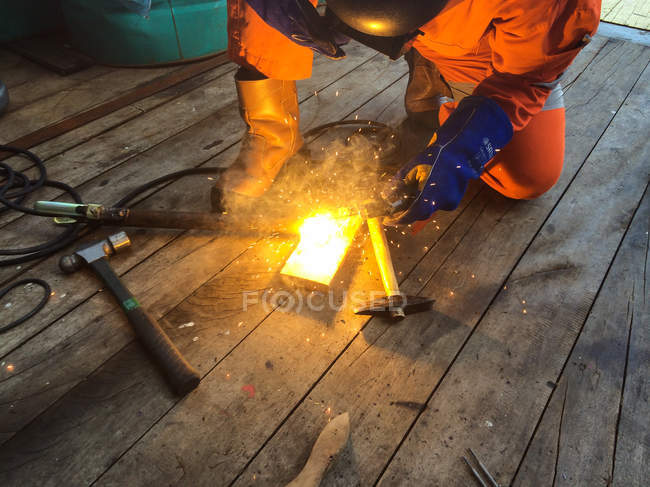 Welder during welding operation — Stock Photo