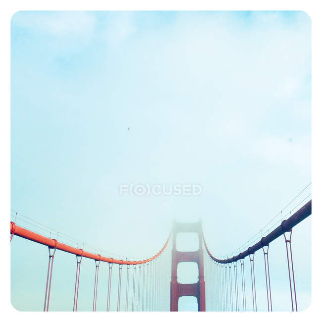 View of Golden Gate Bridge in clouds — Stock Photo