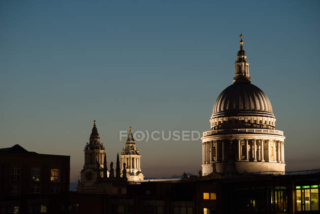 Вид на собор Святого Павла у сутінках — стокове фото