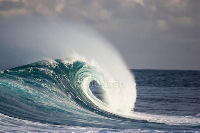 Хвиля порушення в океані — стокове фото