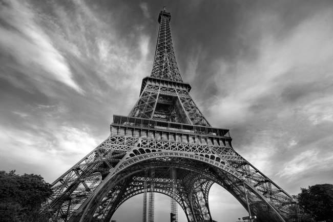 Вид на Эйфелеву башню — стоковое фото