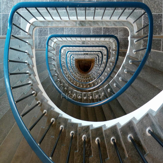 Overhead view of spiral staircase — Stock Photo
