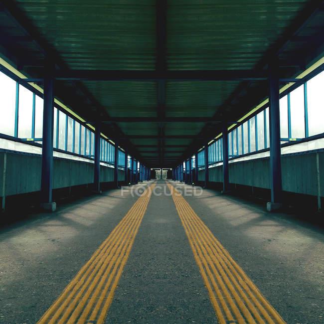 Strada in Galleria vuota — Foto stock