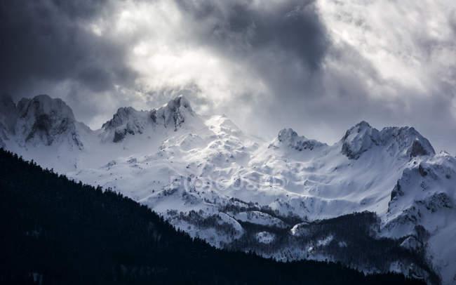 Сніг крита гори, — стокове фото