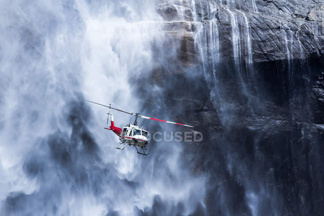Helicopter near  Yosemite Falls — Stock Photo