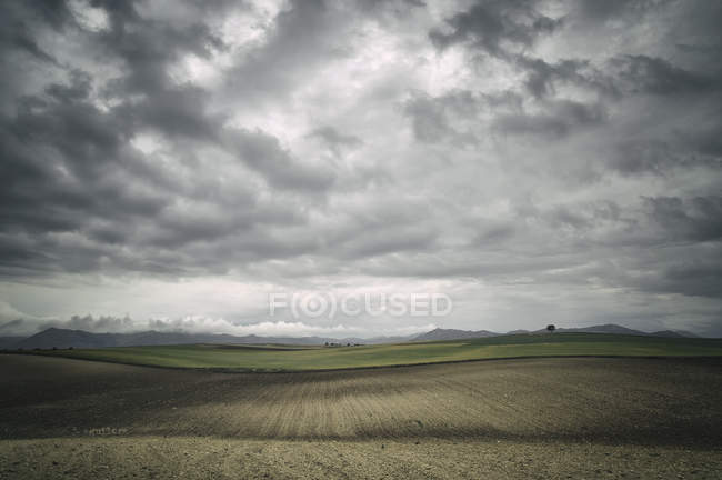 Wolken über Feldern, Spanien — Stockfoto