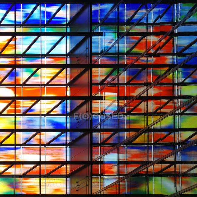 Картина барвисті windows будівлі — стокове фото