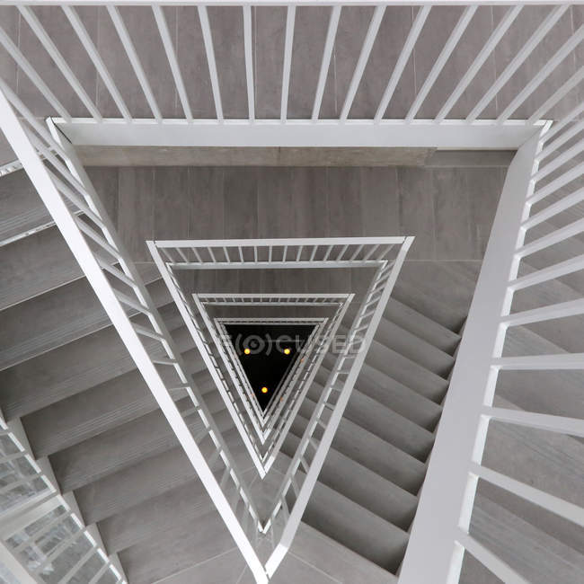Pattern of diminishing perspective shaped staircase — Stock Photo