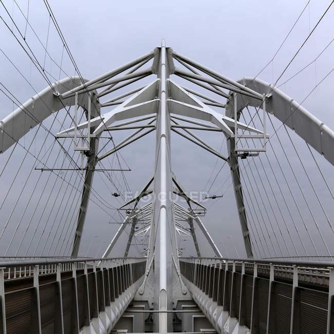 Pattern of contemporary suspension bridge — Stock Photo