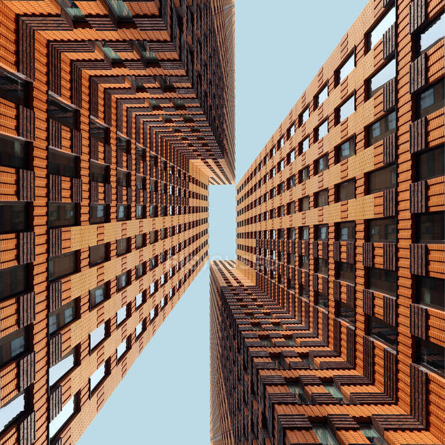 Padrão de dois arranha-céus modernos — Fotografia de Stock