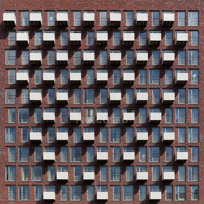 Modello di balconi sul fronte dell'edificio — Foto stock