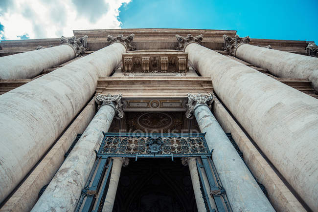 Entrance in gate of Saint Paul Cathedral — Foto stock