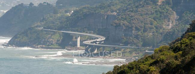 Море скелі міст — стокове фото